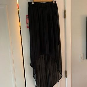 Xhilaration Skirts - NWT High low blk skirt. Size M. Pleated